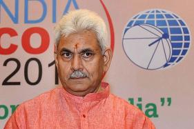 On Day of UP CM Decision, Manoj Sinha Visits Varanasi Temples