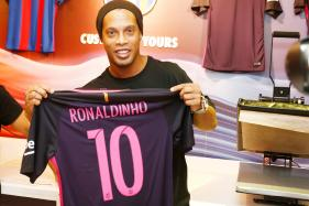 Ronaldinho, Figo Will Have to Wait as El Clasico Is Postponed