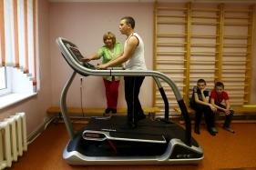Anti-Gravity Treadmill May Boost Confidence Post Knee Surgery