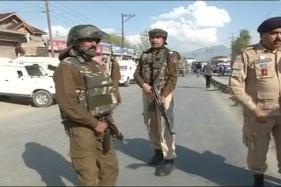 Sub-inspector Killed as Terrorists Fire at CRPF Van in Srinagar