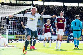 Wayne Rooney Scores as Manchester United Beat Burnley 2-0