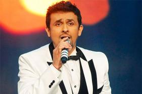 Amid a Heated Controversy, Sonu Nigam Posts Azaan Video