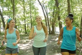 Can a Large Circle of Friends Help You Stay on Track With Your Fitness Goals?