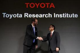 Toyota, MIT to Explore Blockchain Technology for Driverless Cars