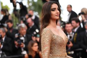 Sonam Kapoor Can't Accept The Credit For Looking Good At Cannes