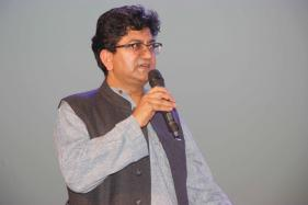 Shoojit Sircar To Shyam Benegal: Bollywood Welcomes Prasoon Joshi As New CBFC Chief