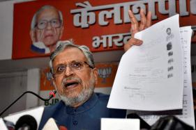 Sushil Kumar Modi's Cavalcade Attacked by RJD Supporters in Vaishali