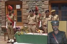 Cop Beaten to Death Near Srinagar Masjid, Mirwaiz Says 'I Wasn't There'