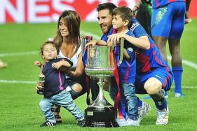 Messi Posts Video of Son Singing in Catalan, Pique Replies