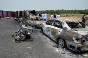 140 Burnt to Death in Pak, Had Rushed to Collect Oil from Overturned Tanker