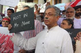 Ramachandra Guha, Girish Karnad Lead 'Not in My Name' Protest in Bengaluru