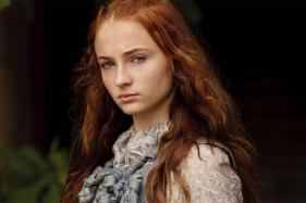Sophie Turner Uses Snail Gel Eye Patches