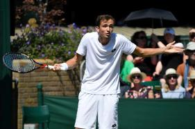 Wimbledon 2017: Medvedev Sorry for Throwing Coins at Umpire