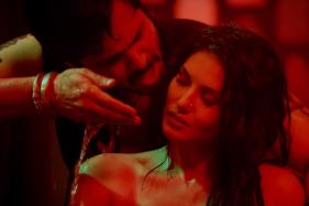 Sunny Leone is Too Hot To Handle in Baadshaho Raunchy Song Piya More
