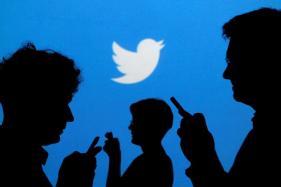 Artist Targets Twitter With Offline Hate Tweets