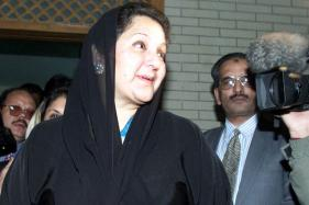 Wife of Ousted Pakistani PM Nawaz Sharif to Seek His Parliament Seat