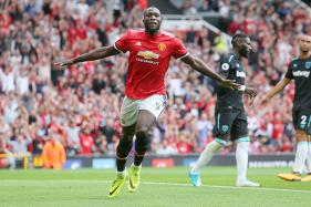 Premier League Round-up: Lukaku Brace Helps United Win; Shelvey Dismissal Sparks Spurs