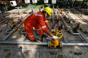 Leak in ONGC Underground Gas Pipeline in Tamil Nadu
