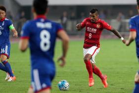 Paulinho Moving to Barcelona Boosts China League: Villas-Boas