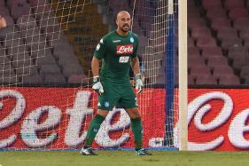 Napoli Reject PSG Offer for Goalkeeper Pepe Reina