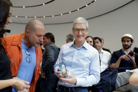 Apple CEO Tim Cook Will Have The Merriest Christmas With a Gigantic Bonus