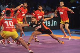 Pro Kabaddi 2017: Gujarat Fortunegiants Crush U Mumba 45-23