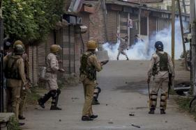 4 Injured as Security Forces Fire on Mob After 'Braid Chopping Incident'
