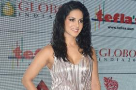Will Sunny Leone Perform in a Sari, Ask Kannada Groups Protesting Against Planned New Year Event