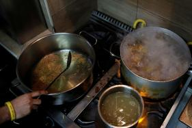 Most Indian Professionals Cook at Home Every Day: Survey
