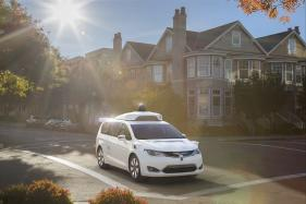 Waymo Self-Driving Minivans to Install Intel Computing Tech