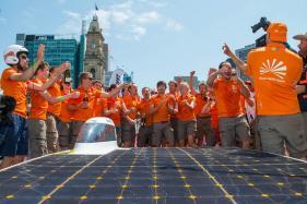 Dutch Solar Car 'Nuna 9' Hailed as 'The Future' at World Solar Challenge
