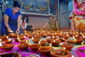 Diwali 2017: Know The Significance of Diyas on Deepavali
