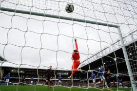 Arsenal Thrash 10-man Everton To Pile Pressure on Ronald Koeman