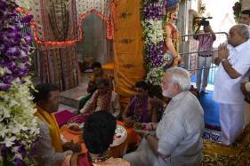 PM Narendra Modi Offers Prayers at Dwarkadhish Temple in Gujarat