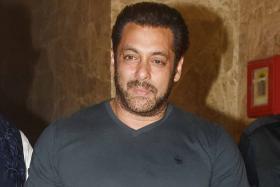 Salman Khan On Demise of Vinod Khanna, Shashi Kapoor: Never Thought Heroes We Worshipped Would Leave Us