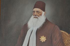 AMU Celebrates Its Links With BHU on Sir Syed's Bi-centenary