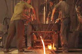 D&B Lowers Dec'17 Factory Output Growth Projection at 5.5-6%