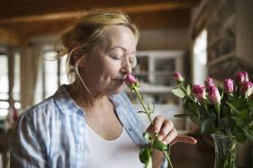 A Reduced Sense of Smell in Seniors Could Indicate an Increased Risk of Dementia