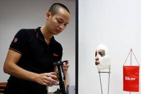 Vietnamese Researcher Shows iPhone X Face ID 'Hack'