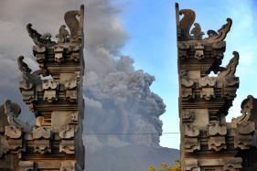 Tourists Stranded as Bali Raises Volcano Alert to Highest Level