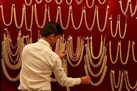 India's Wedding Gold Demand Lacklustre as Buyers Await Price Dip