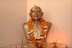 Hindu Mahasabha Install Nathuram Godse Statue in Gwalior Office, Plan Temple