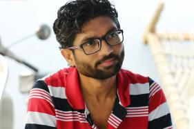 Arundhati Roy Contributes Rs 3 Lakh to Dalit Leader Jignesh Mevani's Campaign