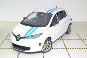 Renault Callie Autonomous Car Prototype Matches Professional Driver at Obstacle Test [Video]