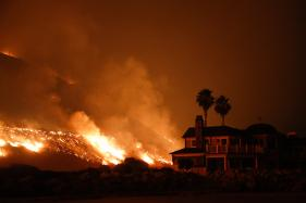 Strong Winds Pose Fresh Threat in California Wildfires