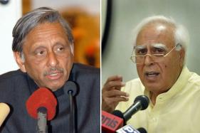 OPINION | Rigid Secularists Like Sibal, Aiyar Not in Tune With Congress-in-Transition