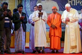 Pope Says he 'Wept' While Meeting Rohingya Refugees