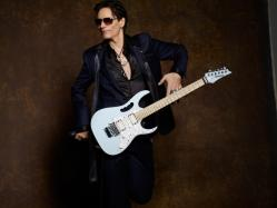 Steve Vai Opens Up About Stigma of Depression, Says 'Being Drunk or High is not the Answer'