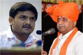Hardik Urges Sulking Gujarat Deputy CM to Join Congress, Bring 10 MLAs
