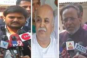 'Humanitarian' Congress Comes Calling on Pravin Togadia in Hospital; Hardik Patel Joins Too
